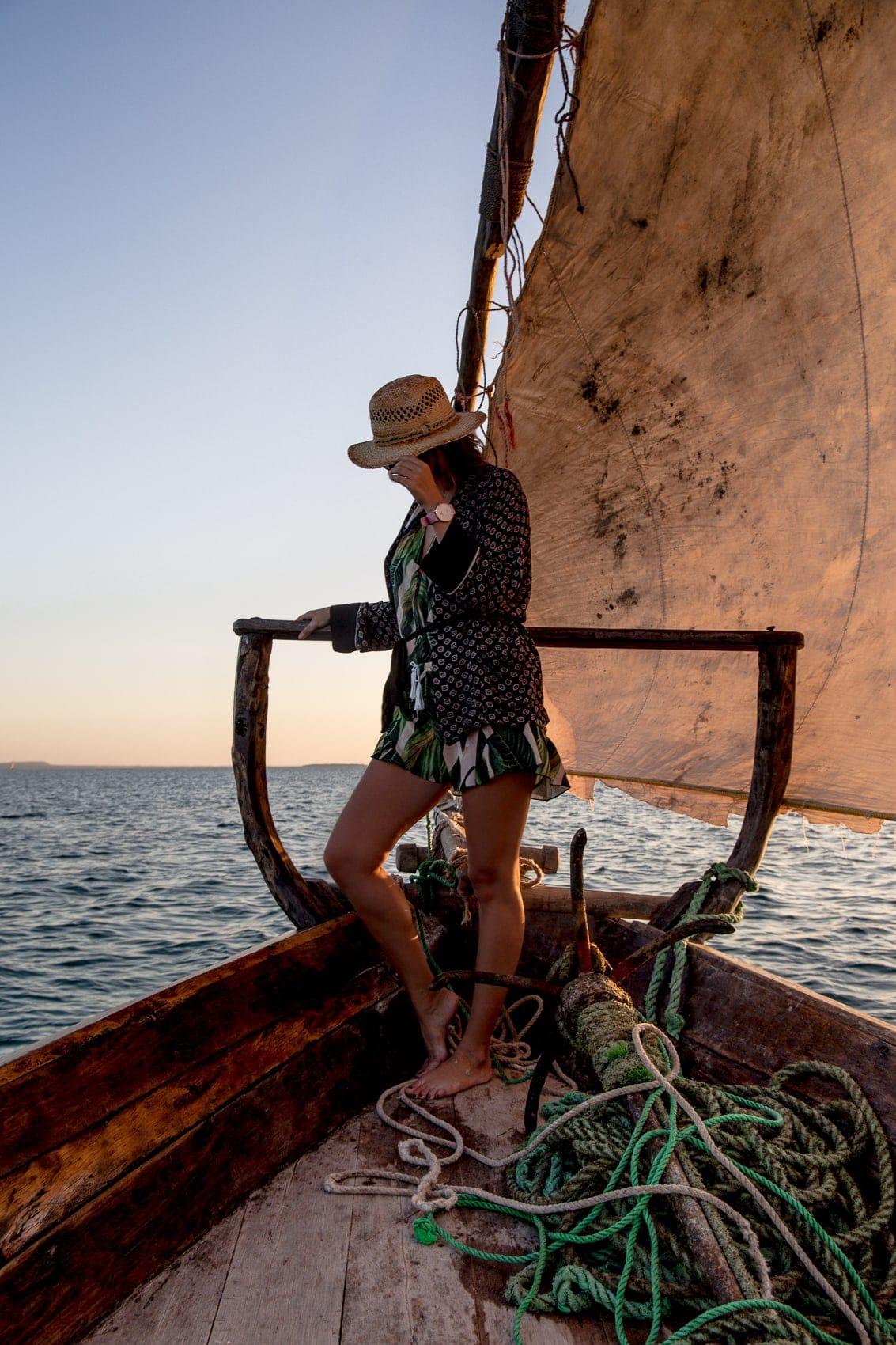 fünf-dinge-die-dich-auf-der-trauminsel-sansibar-überraschen-werden-sunset-cruise-kendwa-beach-reiseblog-des-belles-choses 7