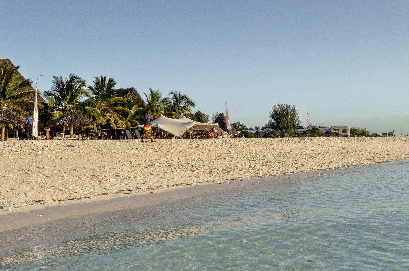 fünf-dinge-die-dich-auf-der-trauminsel-sansibar-überraschen-werden-sunset-cruise-kendwa-beach-reiseblog-des-belles-choses 8