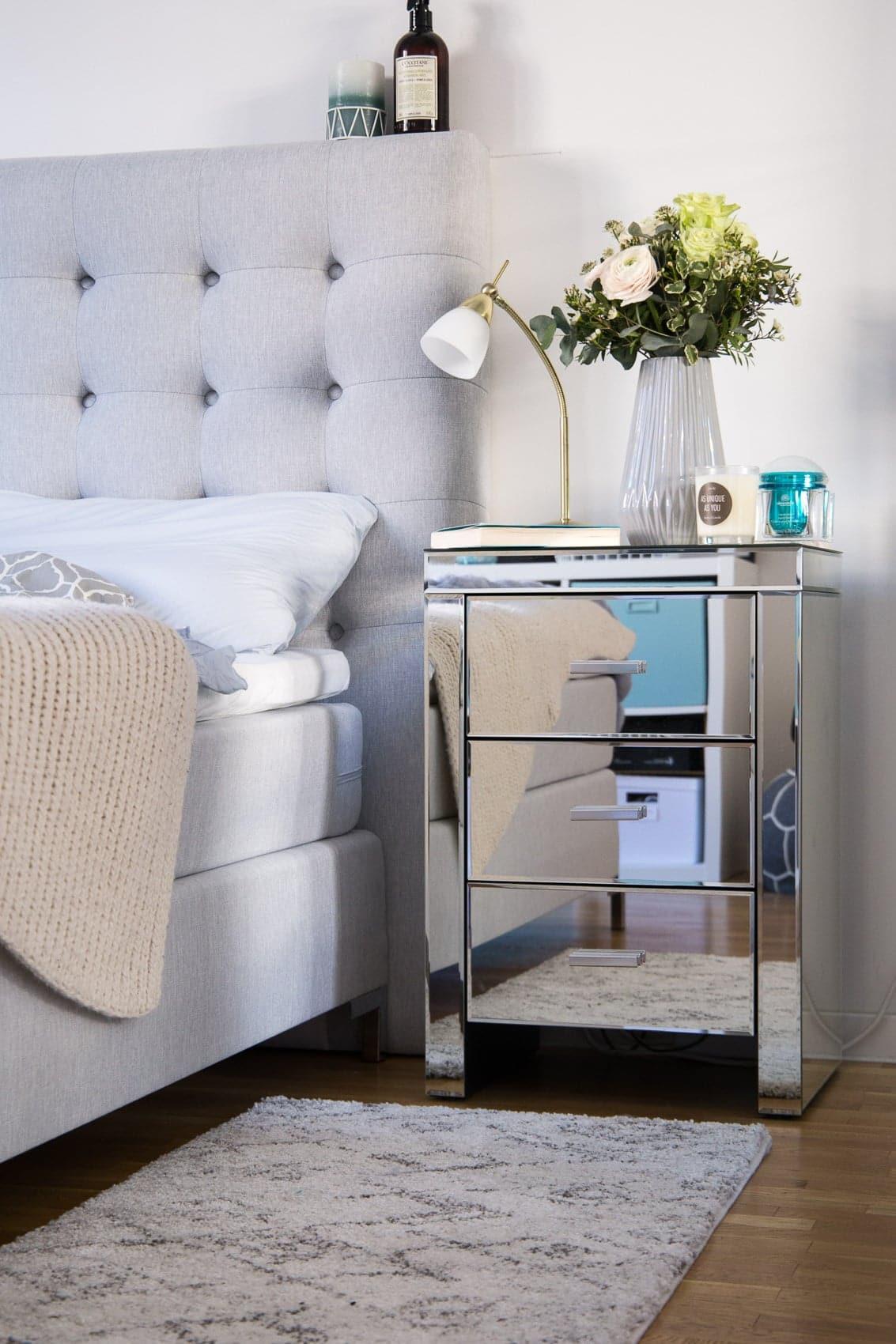 ein jahr nach unserem einzug schlafzimmer makeover. Black Bedroom Furniture Sets. Home Design Ideas