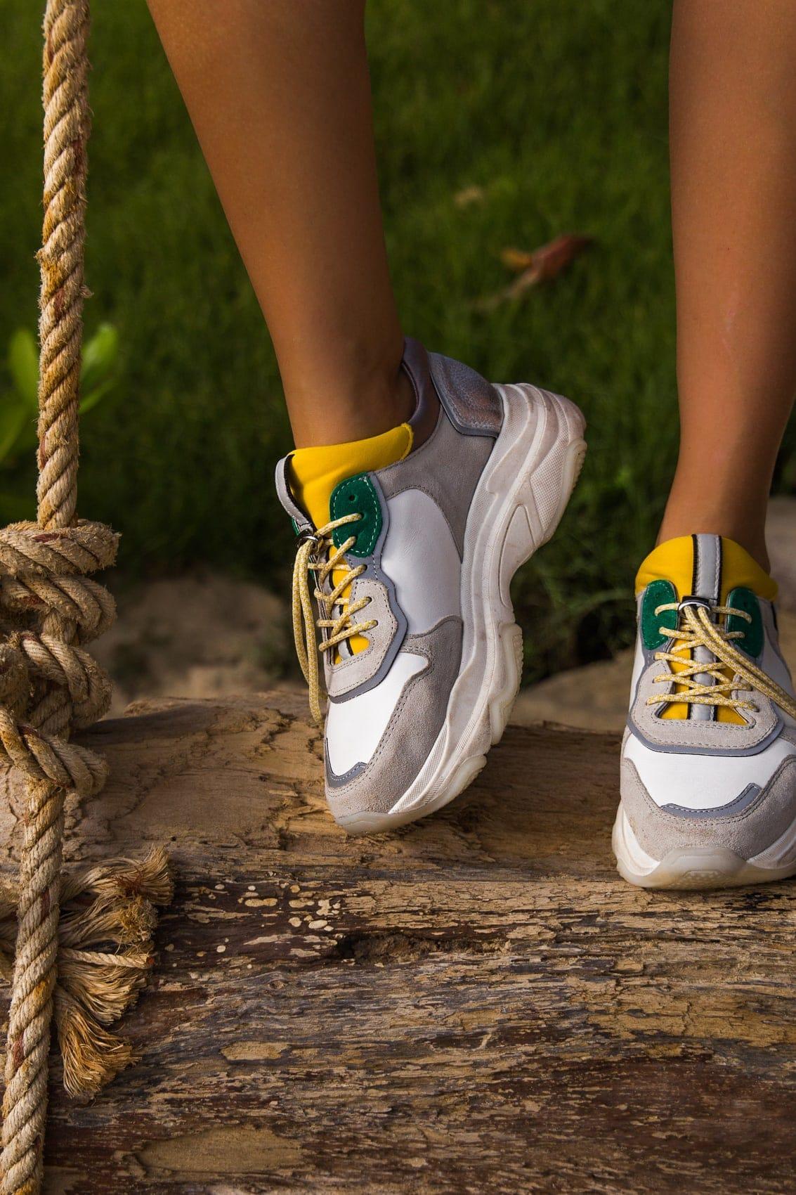 Ugly Dad Sneakers? So kombinierst du den Trend im Sommer!