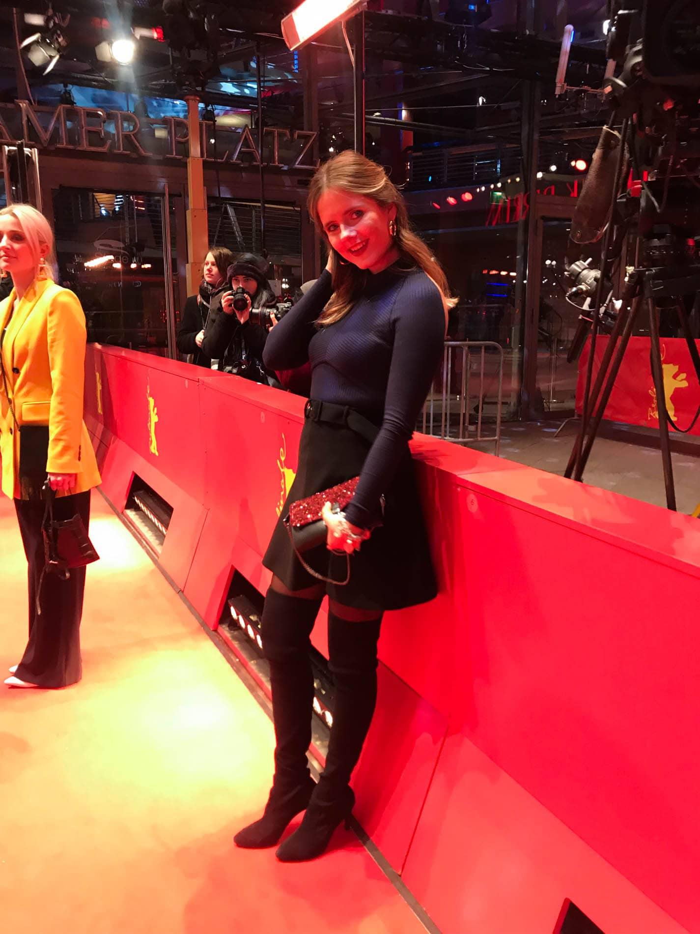 69. Berlinale Eröffnung Worth it Café by L'Oréal & Red Carpet Look