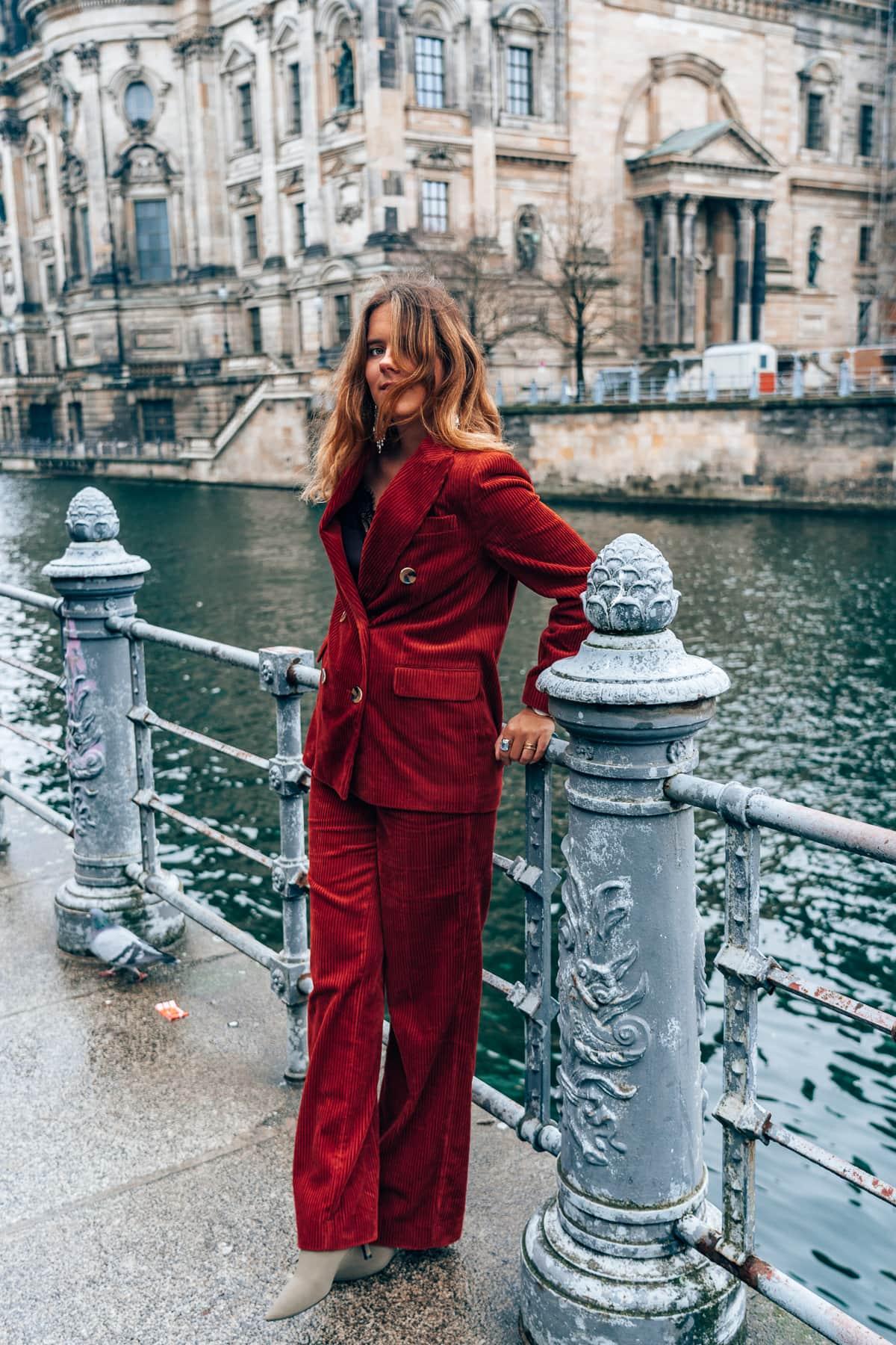 Mein Silvester Outfit 2018 - Roter Kord Anzug von Zara