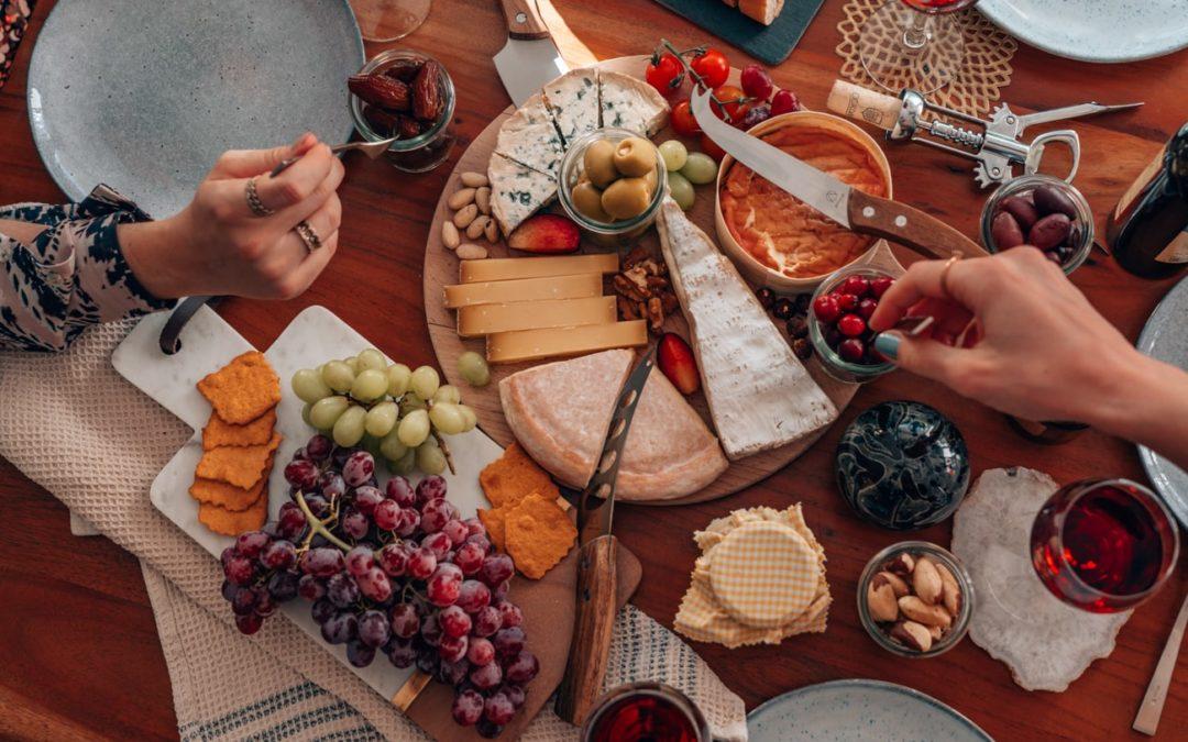 So gelingt ein französisches Käse-Tasting zuhause!