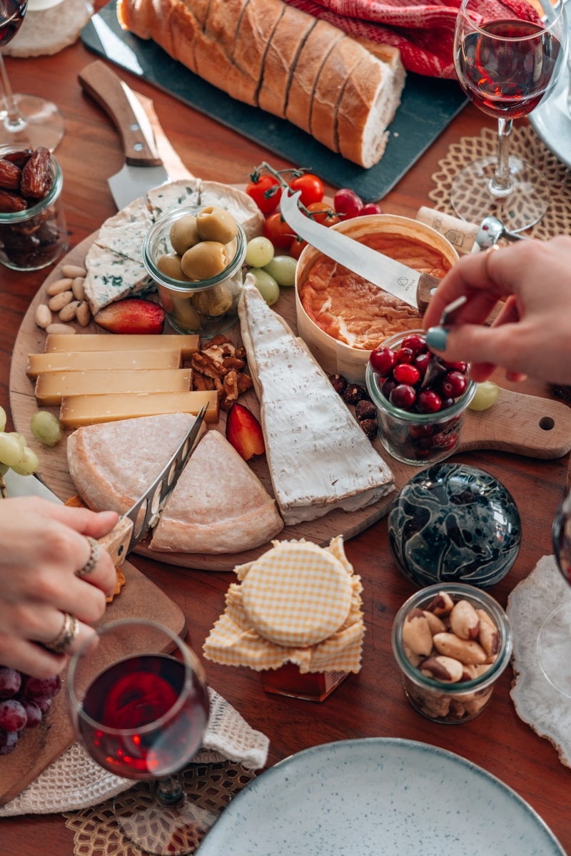 So gelingt dein französisches Käse-Tasting zuhause!