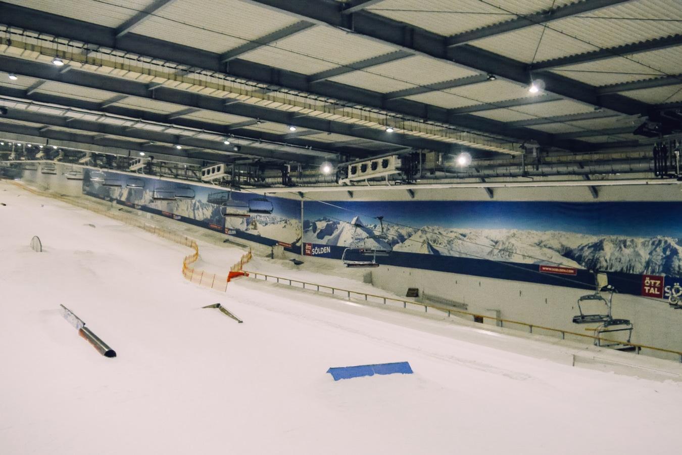 Snow Dome: Ski fahren zu jeder Jahreszeit